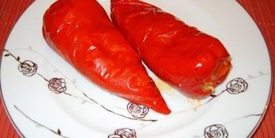 Fırında Peynirli Kırmızı Biber Dolması Thumbnail