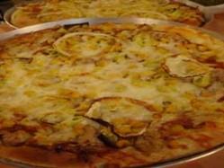 Soğanlı Ton Balıklı Pizza Thumbnail